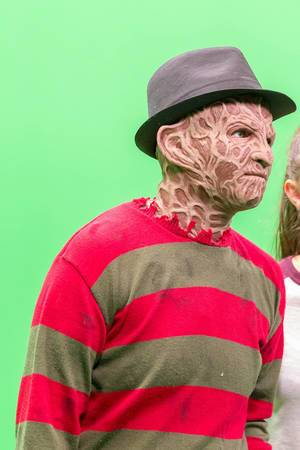 Gamescom-Besucher mit Freddy Krueger Maske
