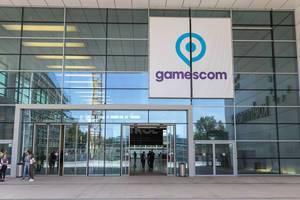 Gamescom Eingang auf dem Messeplatz in Köln