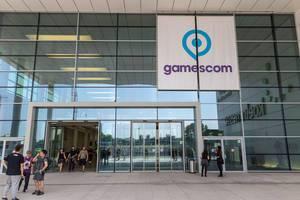 Gamescom Logo am Eingang Süd der Köln Messe
