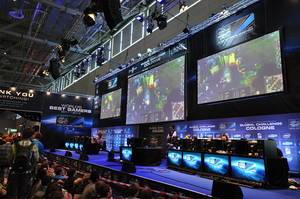 Gaming event and show match of Starcraft 3 during a German games fair