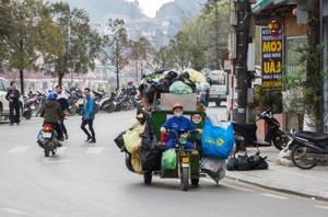 Garbage motocycle in Sapa Vietnam  (Flip 2019)
