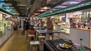 Gäste genießen Gourmetgerichte - Mallorca