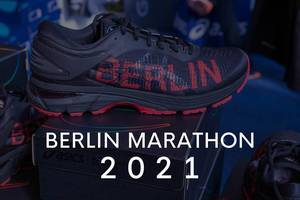 "Gel-Kayano 25 City Icon black-red sports shoe by Asics, next to the title ""Berlin Marathon 2021""."