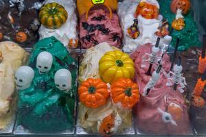 Gelato mit Halloween Dekorationen in Rom