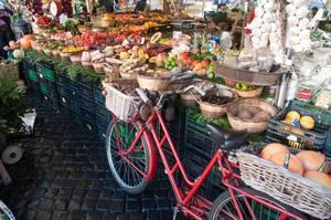 Gemüse am Bauernmarkt in Rom, Italien