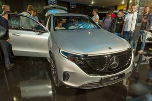 German car show vehicle and electric SUV: Mercedes EQC 400 4MATIC Edition 1886 front view