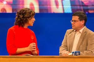 "German television show ""Kontraste"" live from IFA-fair, with Eva-Maria Lemke and Professor Gideon Botsch of the university of potsdam #ardifa19"