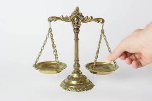 Gewichtsbestimmung, Geld wiegen und Balance halten