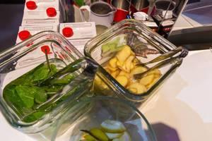 Ginger, Mint and Lemon in big glasses for tea at Digital X in Cologne