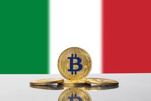 Golden Bitcoin and flag of Italy