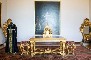 Golden furniture inside Austerlitz palace