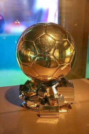 """Goldene Trophäe """"Der Ballon d"""