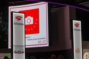 Google Stadia Area auf der Gamescom Spielemesse, mit Doom Eternal und Mortal Kombat