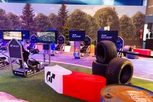 Gran Turismo am Sony PlayStation Messestand - Gamescom 2017, Köln