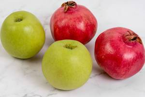 Green Apple and Pomegranate