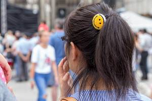 Haargummi mit Emoji - Chinafest, Köln
