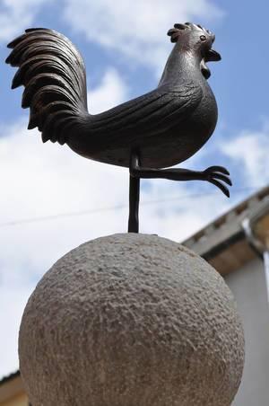 Hahn als ein Symbol von Port de Pollença