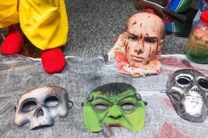 Halloween Masken: Totenkopf, Hulk und eiserne Maske