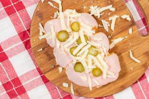 Ham Pickles and Cheese with Sandwich Bread