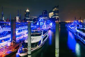 Hamburg port / Hamburger Hafen