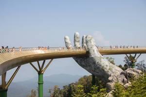 Hand Bridge in Danang .CR2 (Flip 2019)
