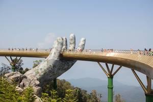 Hand Bridge in Danang .CR2