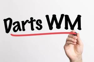 """Hand schreibt das Wort """"Darts WM / Weltmeisterschaft"""" auf ein Whiteboard"""