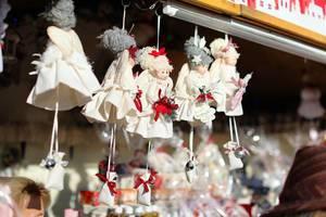 Handmade dolls at market (Flip 2019)