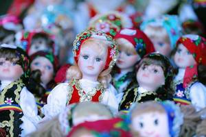 Handmade Romanian dolls, traditional costumes, close-up view