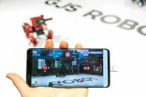 Handysteuerung der Spieleroboter GJS Robots von Komsa
