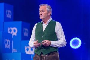 Hannes Ametsreiter - Vodafone Deutschland hält eine Rede