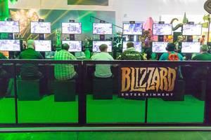 Hardcore Gaming am Messestand von Activision Blizzard - Gamescom 2017, Köln