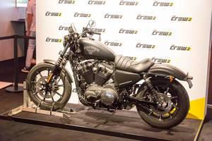 Harley Davidson Motorrad am Messestand von The Crew 2 - Gamescom 2017, Köln