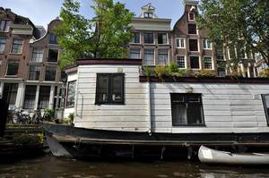 Haus auf Kanal in Amsterdam
