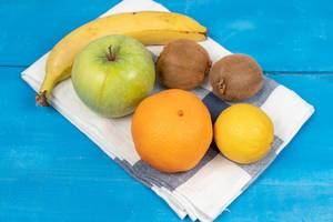 Healthy and fresh fruits on the kitchen dishcloth (Flip 2020)