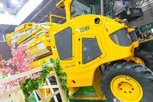 Heavy equipment at the Pure Farming 2018 booth - Gamescom 2017, Cologne