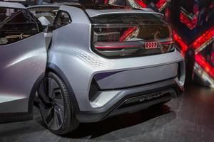 Heckansicht des Audi AI:ME der e-tron Serie