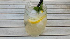 Homemade ginger-lemon lemonade