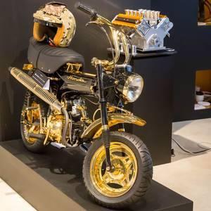 Honda Mini-Motorrad aus Gold