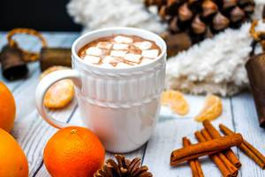 Hot Chocolate with cinnamon and Clementine