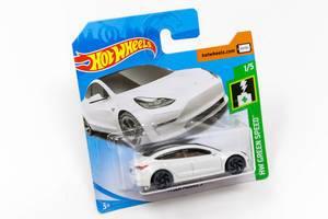 HW Green Speed Hot Wheels Tesla Spielzeugauto von Mattel, originalverpackt
