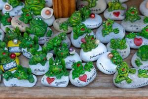 I love Mallorca - Kieselsteine mit Fröschen als Souvenir