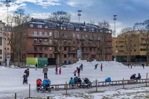 Ice Skating in Vasaparken in Stockholm