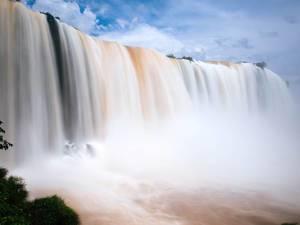 Iguazu Falls – side view / Iguazu Falls - Seitenansicht