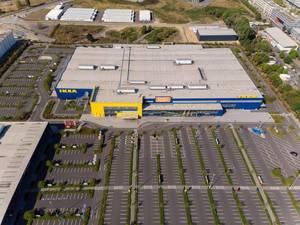 IKEA Filiale und Parkplatz in Köln-Ossendorf