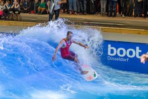 Indoor Surfing Anlage Surfpool von Citywave bei der Boot Düsseldorf 2018