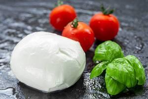 Ingredients for Caprese salad (Flip 2019) (Flip 2019)