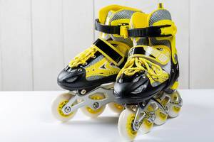 Inline skates in yellow, black and silver, for kids