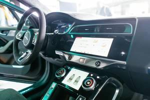 Innenausstattung und Interior des Jaguar i-Pace Elektro-SUV