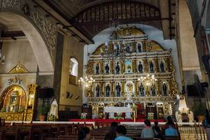 Inside the Sto. Nino Church in Cebu (Flip 2019)